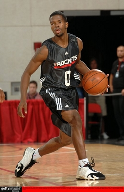Listed Generously At 6 1 Aaron Brooks Came Into The Summer League As A Supporting Player In Houston Rockets Point Guard Controversy
