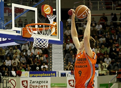 European Roundup: Claver Showing his Stuff