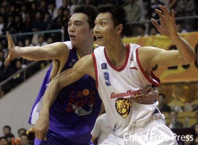 Roundup: Yi Jianlian Strong in the CBA Playoffs